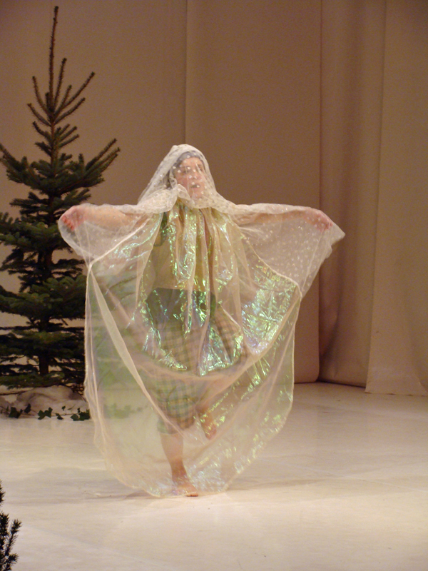 Das tapfere Schneiderlein als Prinzessin verkleidet