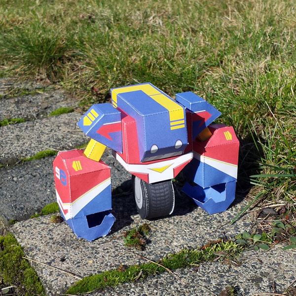 Papertoy-Roboter Unit58 von Nick Knite